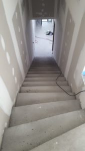 Escalier-en-béton-2-169x300